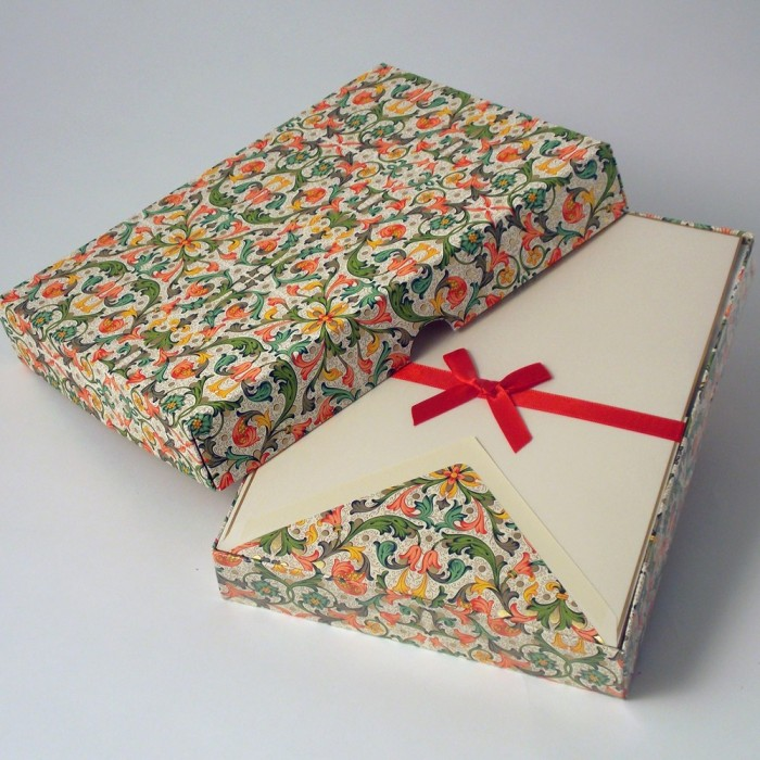 Writing Papers and Lined Envelopes Traditional Florentine Style - BSC 046